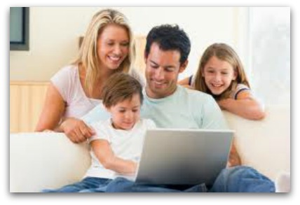 How Your Family Can Benefit from Social Media1 How Your Family Can Benefit from Social Media
